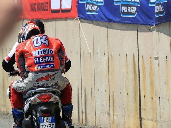 Crash Dovizioso Bikin Marquez Terheran