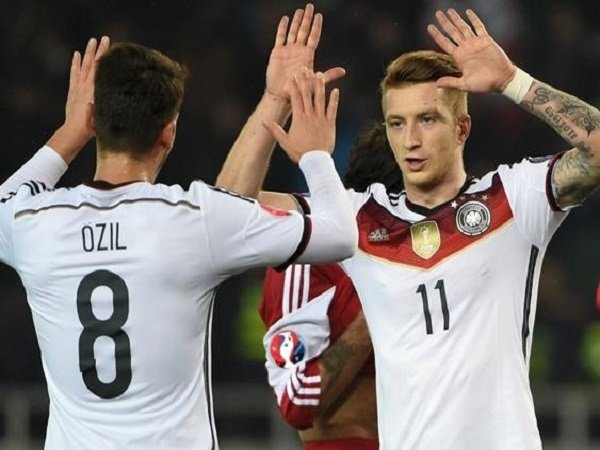 Effenberg Sarankan Joachim Low Cadangkan Mesut Ozil