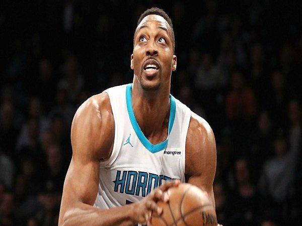 Charlotte Hornets Tukar Dwight Howard Menuju Brooklyn Nets