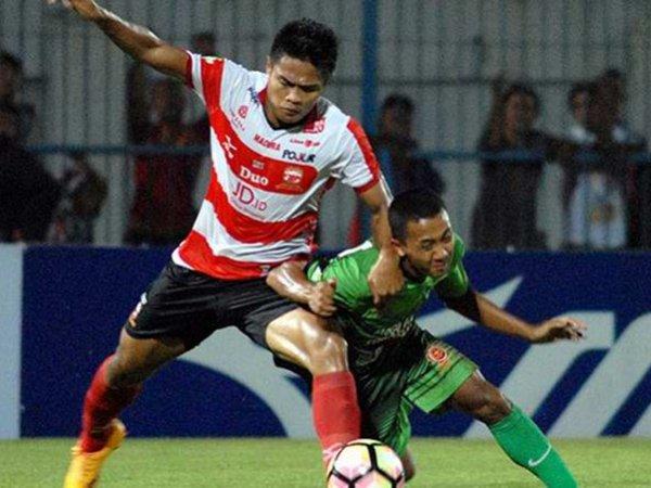 Kapten MU Optimistis Gomes Akan Bawa Tim Raih Kemenangan