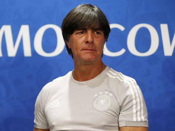 Joachim Low Yakin Skuat Jerman Akan Bangkit Saat Hadapi Swedia