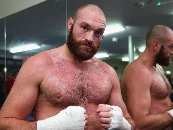 Fury: Target Saya Kalahkan Wilder dan Joshua