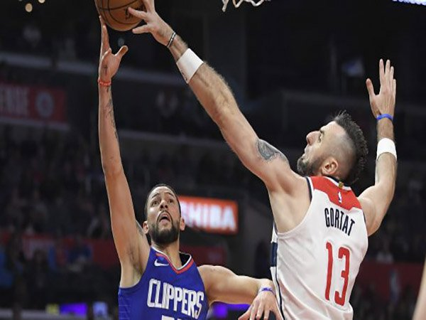 Gortat Menuju Clippers, Wizards Dapatkan Austin Rivers