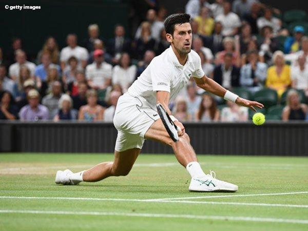 Hasil Wimbledon: Laga Semifinal Ditunda, Novak Djokovic Unggul Sementara Atas Rafael Nadal