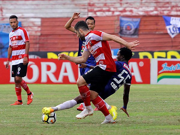 MU vs Perseru, Kembali Menanti Tuah Pelatih Gomes de Oliviera