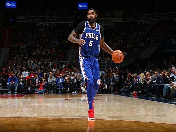 Philadelphia 76ers Resmikan Kontrak Baru Amir Johnson