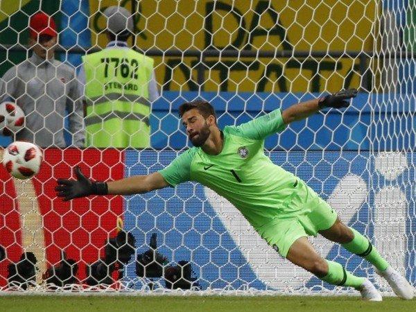 Diminati Liverpool dan Chelsea, Agen Alisson Akan Gelar Diskusi dengan AS Roma
