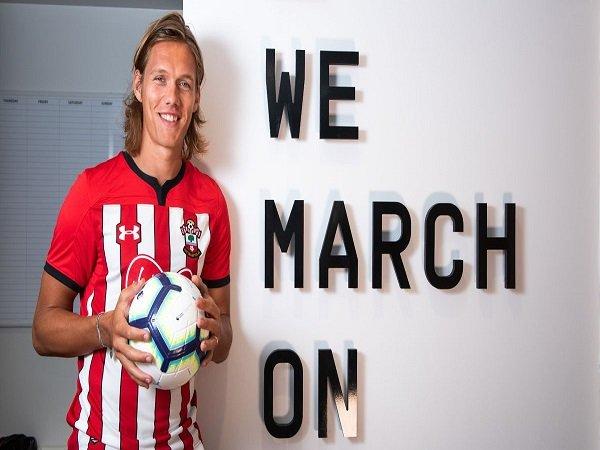 Jannik Vestergaard Berharap Bisa Pimpin Southampton di Lini Belakang