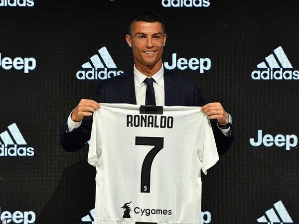 Jose Mourinho Puji Keberhasilan Juventus Bajak Cristiano Ronaldo