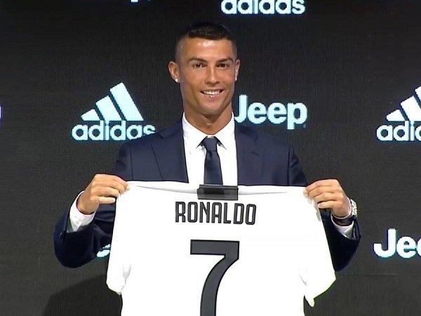 Resmi Gabung Juventus, Ronaldo Tegaskan Dirinya Bukan Pemain Biasa