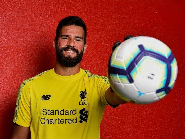 Ada Peran Ederson di Balik Transfer Alisson Becker ke Liverpool