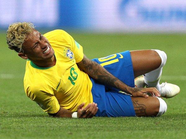 Neymar Jelaskan Alasan Dirinya Sering Lakukan Aksi 'Guling-Guling'