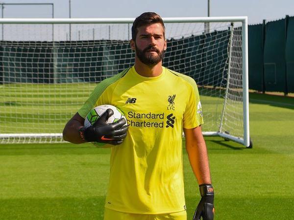 Hengkang ke Liverpool, Ini Pesan Pelatih Roma Untuk Alisson