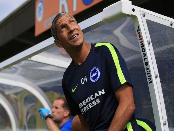Chris Hughton Senang dengan Transfer Brighton Musim Panas Ini