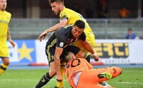 Ronaldo Kirim Pesan Dukungan pada Sorrentino Usai Bertabrakan