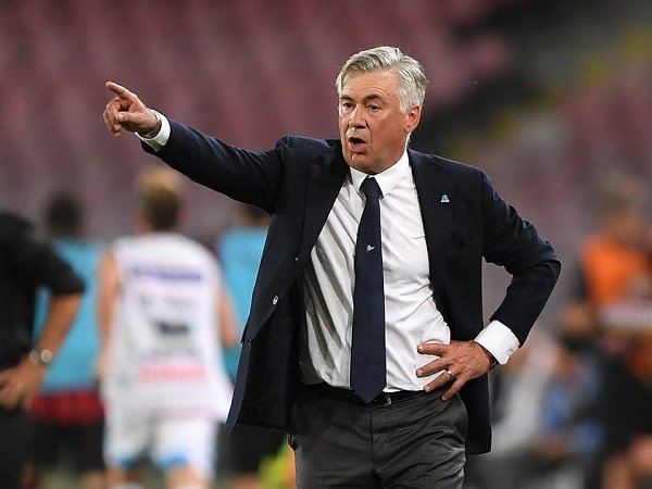Lini Pertahanan Napoli Disebut Bocor, Ancelotti Ungkap Pembelaan