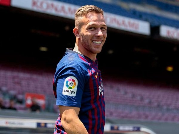 Valverde Janji Mainkan Vidal dan Arthur Lebih Sering