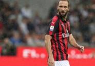 Milan Ditahan Cagliari, Higuain Kecewa Berat?