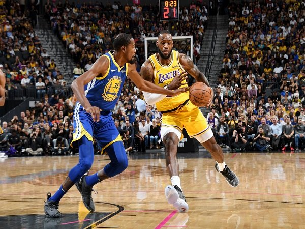 Lakers Raih Kemenangan Impresif Kontra Warriors