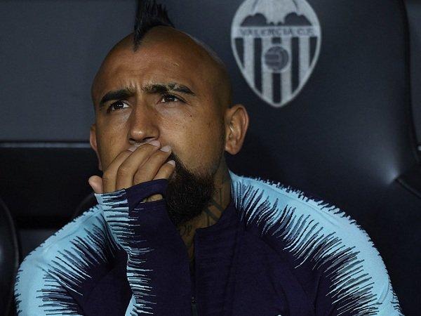 Direktur Barcelona Minta Vidal Tunjukkan Rasa Hormat