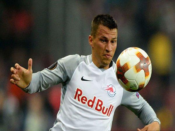 Defender Salzburg ini Isyaratkan Hengkang ke Lazio Januari Nanti