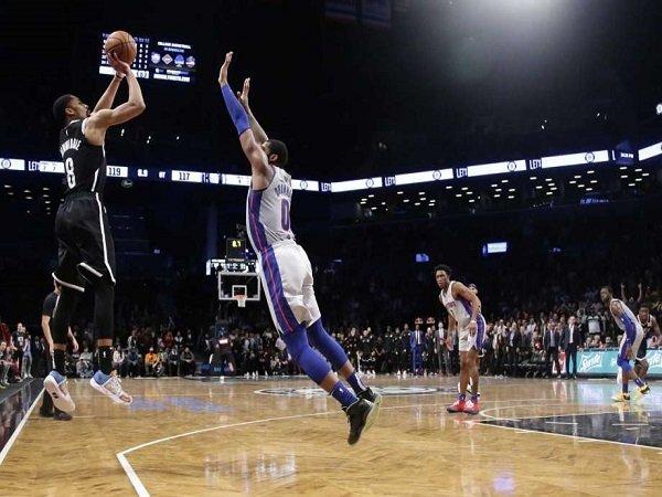 Tembakan Krusial Dinwiddie Bawa Nets Atasi Perlawanan Pistons
