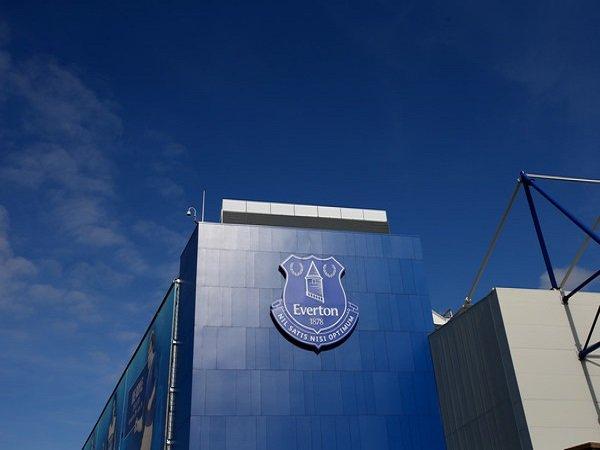 Everton Dilarang Beli Pemain Akademi Selama Dua Tahun