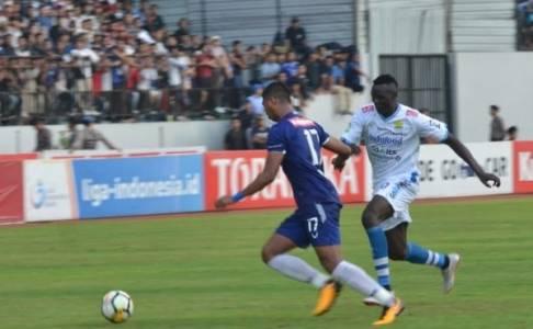 Dipecundangi PSIS, Gomez Keluhkan Persib Banyak Buang Peluang
