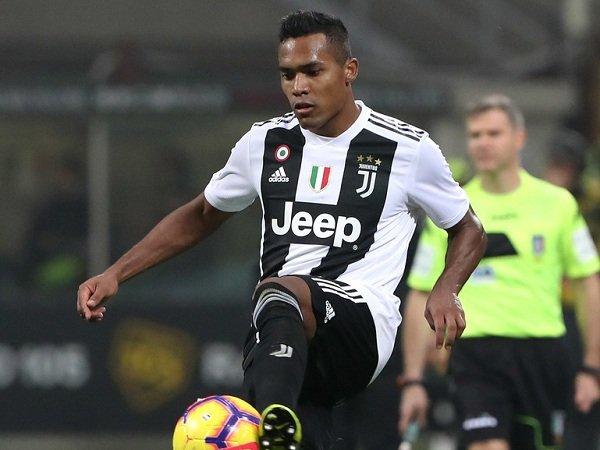 Alex Sandro Segera Perbarui Kontrak di Juventus, Man United Merugi
