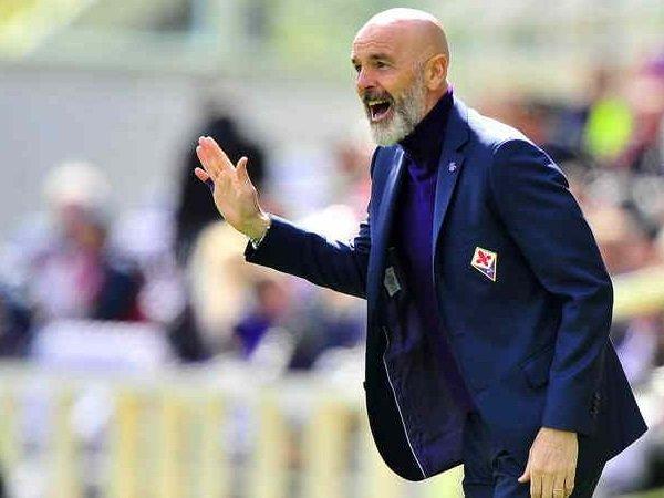 Posisi Pioli sebagai Pelatih Fiorentina Masih Aman