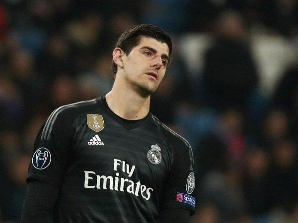 Simeone Hanya Berusaha Tingkatkan Pamornya Ketika Kritisi Real Madrid, Menurut Courtois