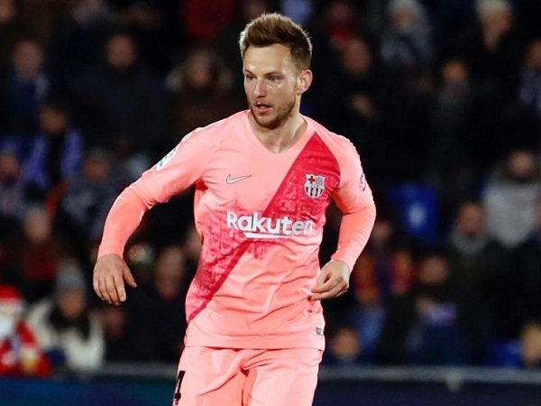 Rakitic Minta Valverde Tetap Bertahan di Barcelona Musim Depan