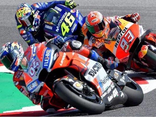 Beda Pendapat, Rossi Rela Jika Yamaha Prioritaskan Vinales