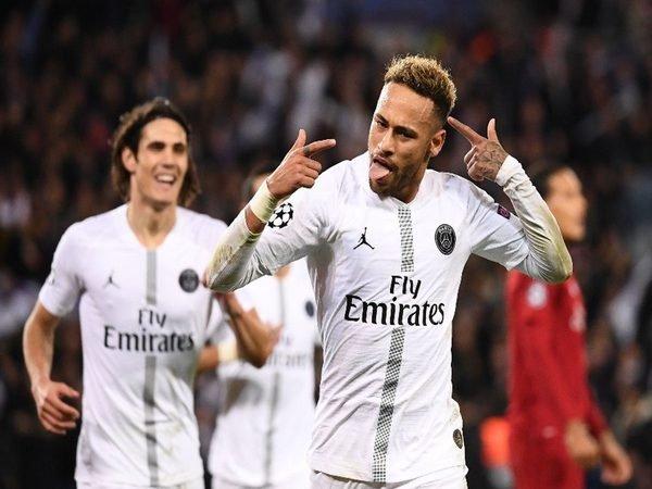 Maxwell: Kemenangan PSG Atas Liverpool Angkat Semangat Tim
