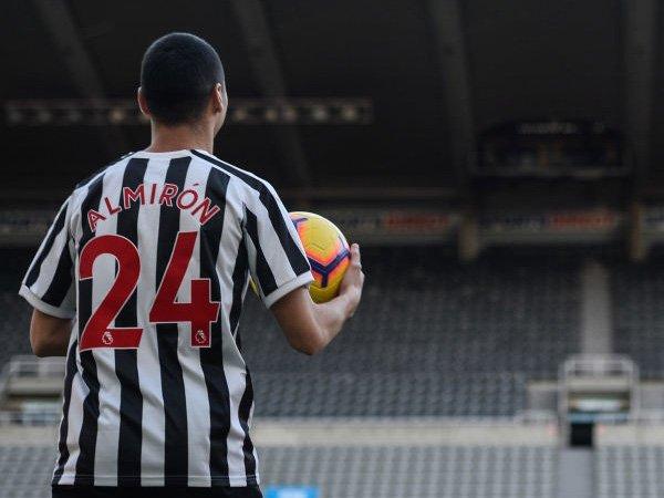 Striker Wolves Peringatkan Miguel Almiron Tentang Liga Inggris