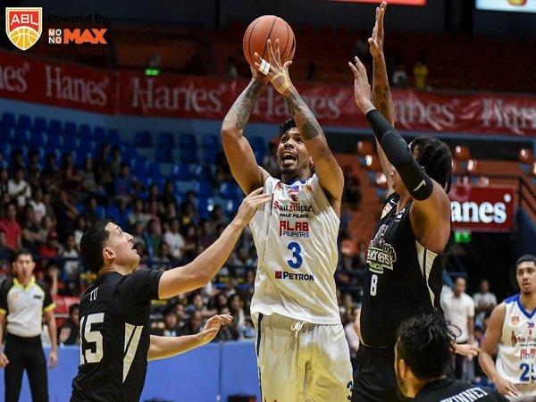 Cedera MCL, Lawrence Domingo Akan Menepi 4-6 Pekan