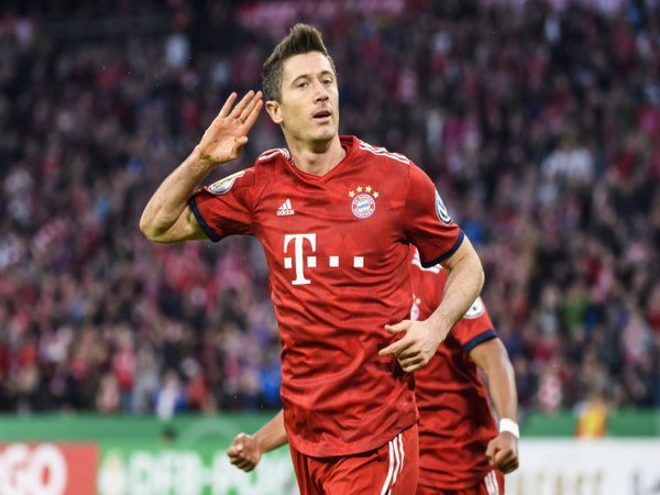 Dwigol Lewandowski Antarkan Bayern Menang 5-4 di Piala Jerman