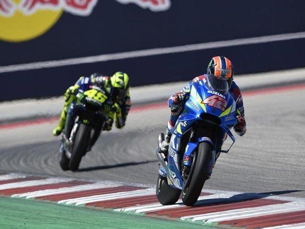 Alex Rins: 'Rasanya Luar Biasa Juara di Depan Valentino Rossi'