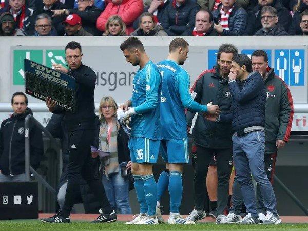 Bayern Berikan Konfirmasi Cedera Neuer dan Hummels