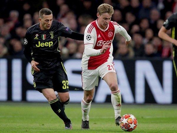 Frenkie de Jong Diyakini akan Bugar untuk Tampil Kontra Juventus