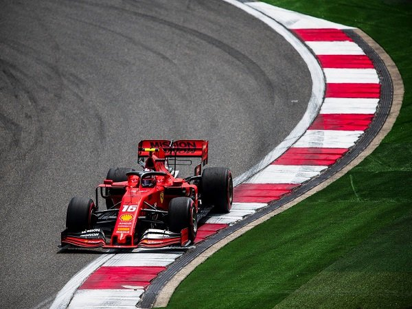 Hamilton Kembali Pertanyakan Performa Ferrari Yang Melempem di GP China