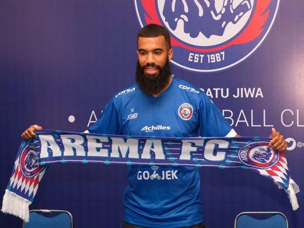 Jalan Berliku Julius Kwateh Datangkan Comvalius ke Arema FC