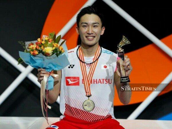 Kandaskan Shi Yuqi, Kento Momota Pertahankan Gelar Juara Kejuaraan Asia 2019