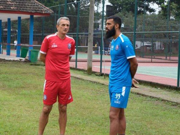 Pemain Sayap Arema FC Merasa Diuntungkan Atas Kedatangan Comvalius