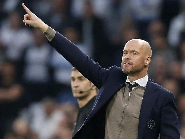 Diminati Banyak Klub Besar, Ten Hag Tegaskan Tetap Bertahan di Ajax
