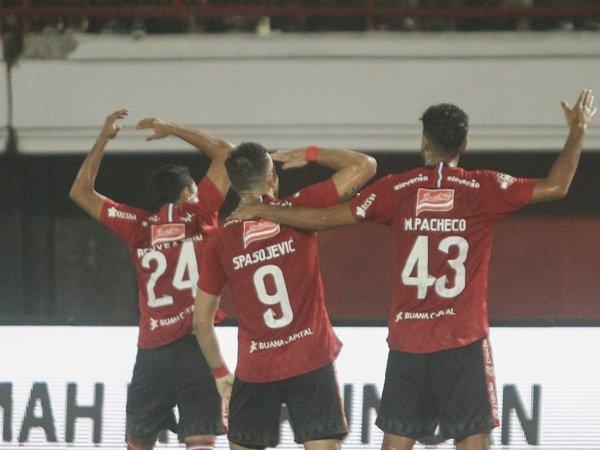 Duet Eks Bhayangkara FC Sukses Bawa Bali United Taklukkan Persebaya