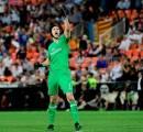Cech Tepis Rumor Kepulangannya ke Chelsea
