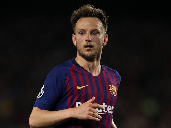 Direkomendasikan Mourinho, MU Siap Boyong Gelandang Barcelona