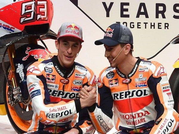 Lorenzo Tiru Cara Balap Marquez Untuk Kuasai Motor RC213V