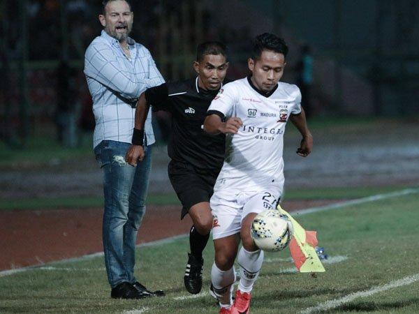 Catatkan Dua Kemenangan Beruntun, MU Bidik Borneo FC